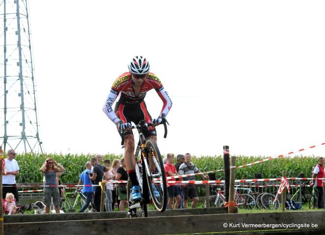 Dovy Keukens Belgie : Jens Teirlinck in 2017 bij Dovy Keukens Fcc cyclingsite be